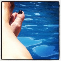feet at pool 2